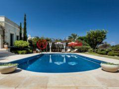 居外网在售以色列5卧5卫的房产总占地1370平方米