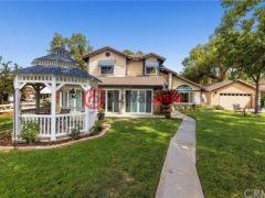 居外网在售美国河畔3卧2卫的房产总占地3723平方米USD 459,000