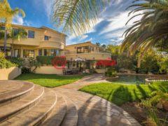 居外网在售美国西湖村6卧6卫的房产总占地2226平方米USD 2,650,000