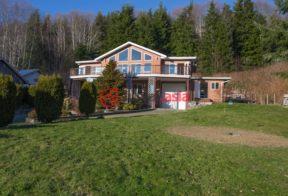 加拿大房产房价_不列颠哥伦比亚省房产房价_Coal Harbour房产房价_居外网在售加拿大Coal Harbour4卧4卫原装保留的房产总占地1578平方米CAD 1,100,000