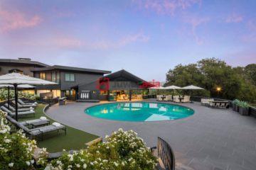 居外网在售美国伍德赛德4卧5卫的房产总占地31177平方米USD 10,500,000