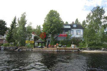 居外网在售芬兰4卧4卫曾经整修过的房产总占地1168平方米EUR 795,000