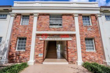 居外网在售美国科勒尔盖布尔斯局部整修过的房产总占地1858平方米USD 4,900,000