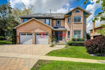 居外网在售加拿大4卧3卫最近整修过的房产总占地5平方米CAD 1,239,000