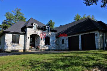 居外网在售加拿大3卧3卫特别设计建筑的房产总占地4000平方米USD 700,000