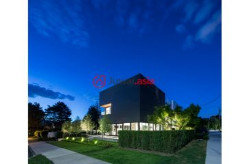 居外网在售加拿大2卧4卫新房的房产总占地440平方米CAD 14,000,000