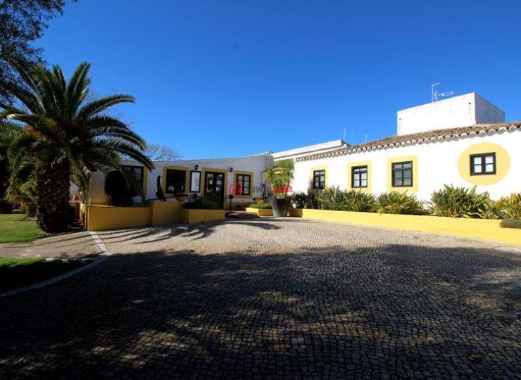 葡萄牙法鲁Santa Luzia的房产,Aldeamento Turístico Pedras del Rei Bloco C 1.º andar apartamento 350 8800-531 Santa Luzia,编号37429539