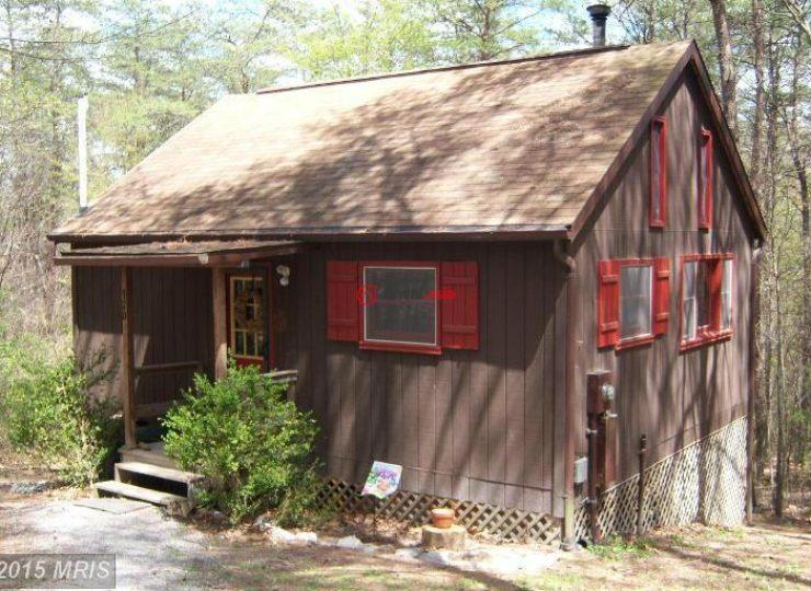 美國西佛吉尼亞州柏克萊溫泉的房產,370 dirt rd.,編號16069898